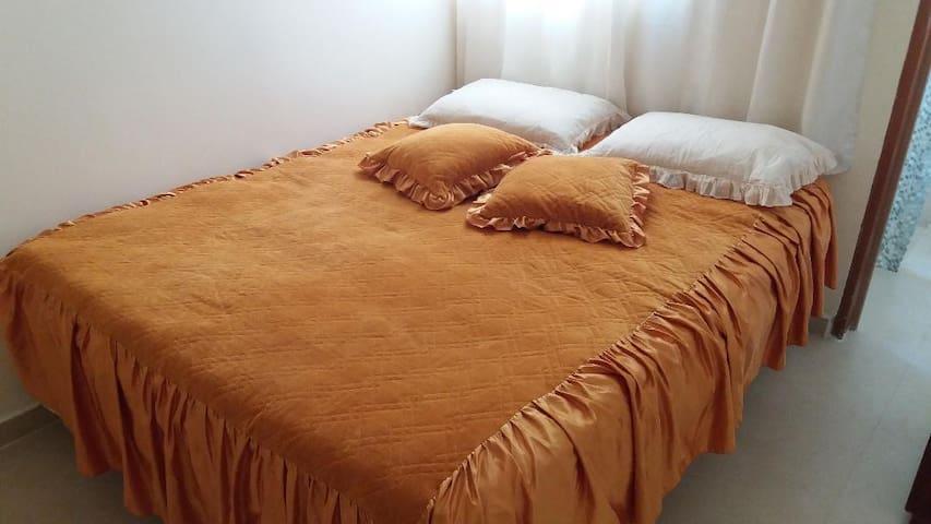 Suíte com cama de casal Queen e cama de solteiro