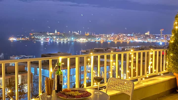 Epic View/ Private Terrace/ Penthouse  in Cihangir