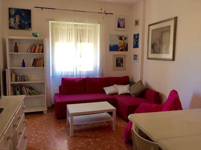 Appartamento con terrazzino.