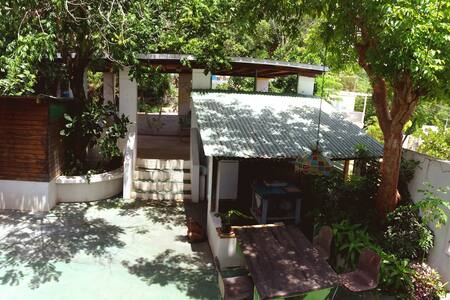 "On a Budget?! ""Cabina South""  Dancing Tortugas :) - Aguadilla - Cabin"