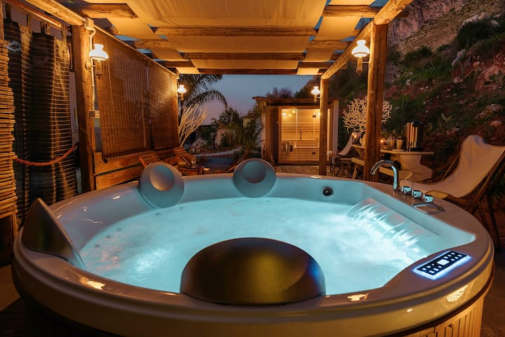 Planetarium Suite with Pool and Wellness Area
