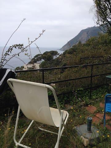 Appartamentino al mare con giardino - Framura