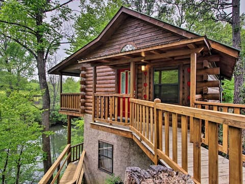 River Rush- Cozy Riverfront Cabin - 5 Mi. to Pigeon Forge