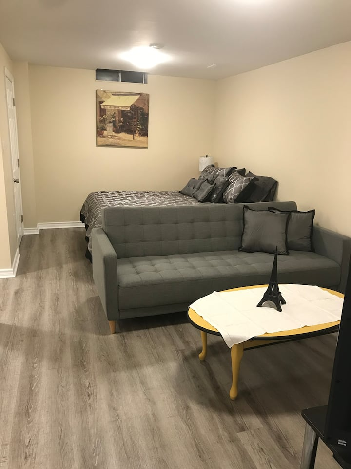 Cozy studio with private entry in Bowmanville