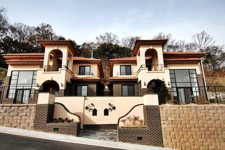 한국러닝리조트 S-Town 펜션 - Bogae-myeon, Anseong-si
