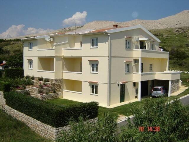 Apartment AF Veliki (4+2) Pag, Island Pag