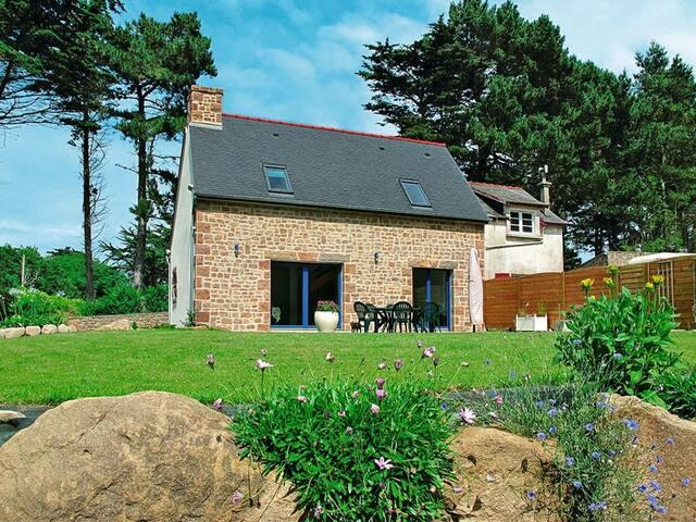 Ty Mein Glas maison classée 3*** jardin Wifi parking à Trégastel sur la Côte de Granit Rose