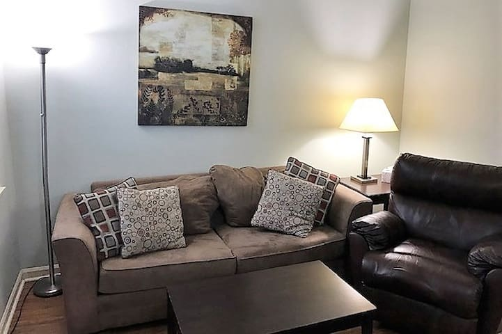 Monthly Rate:  1 Bed/1 Bath Little Rock