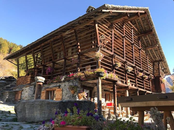 Baita Walser Stodal, Val d'Otro, Alagna Valsesia