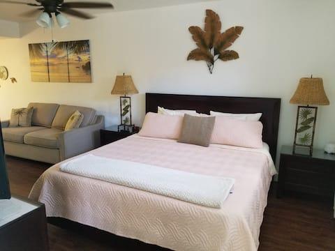 Romantic suite in beautiful Princeville