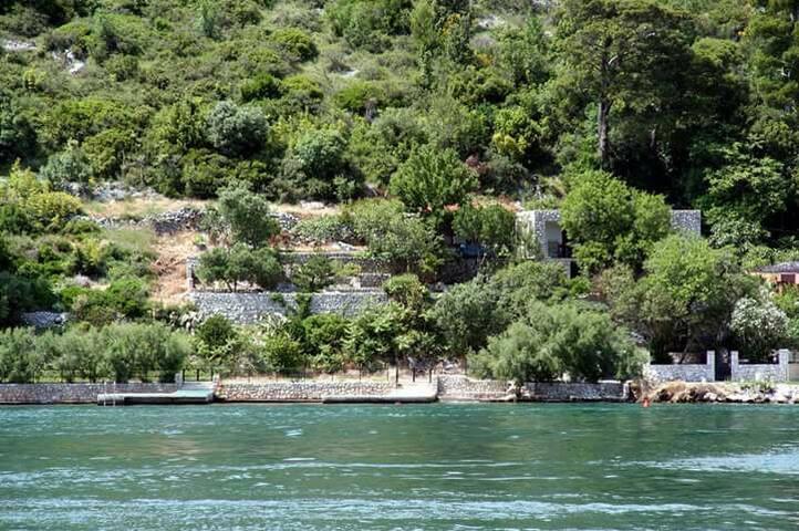 Mediterranean Guest House Perisa - Lozica - Casa