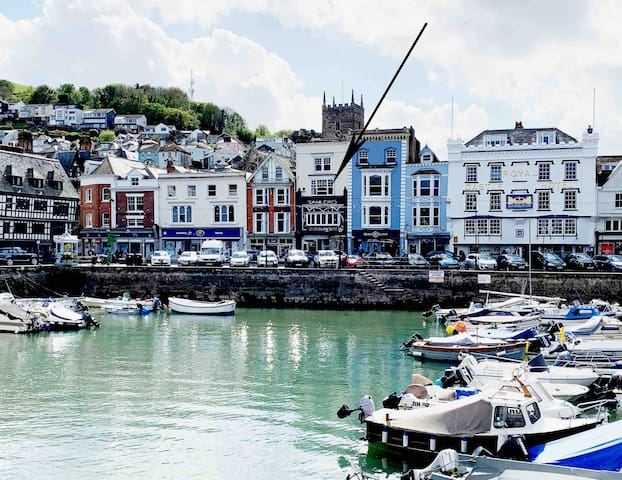 Quayside - Iconic Riverside Location in Dartmouth