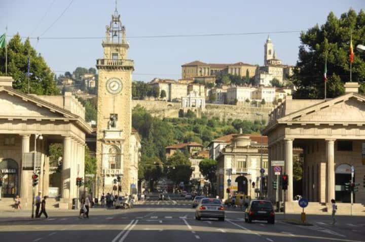 """""""Residenza Cesare B"""" - Bergamo centro -Wi-fi Free-"""