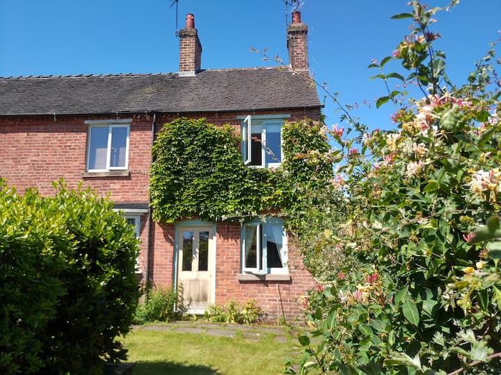 Victorian Cottage - 1 Postern View