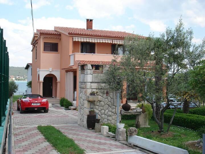 Apartmánové studio na pláži Sukošan, Zadar (AS-14406-b)