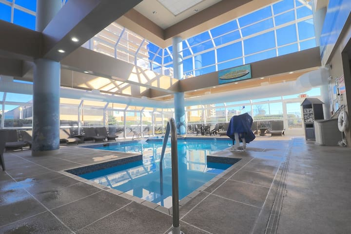 Ocean Key Spacious Suite w/ On-Site Dining, Indoor Pool & Spa