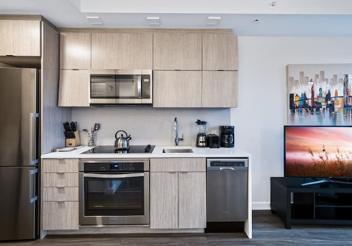 DC Modern Studio | Rooftop Spaces + Gym | by GLS