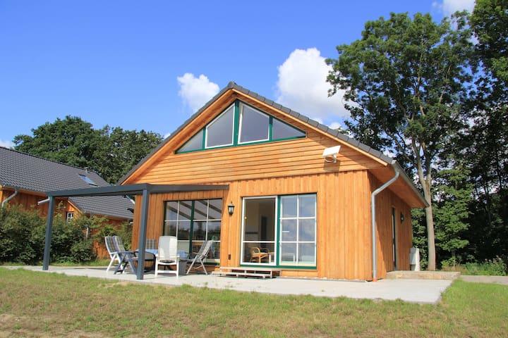Modernes Haus direkt an der Ostsee