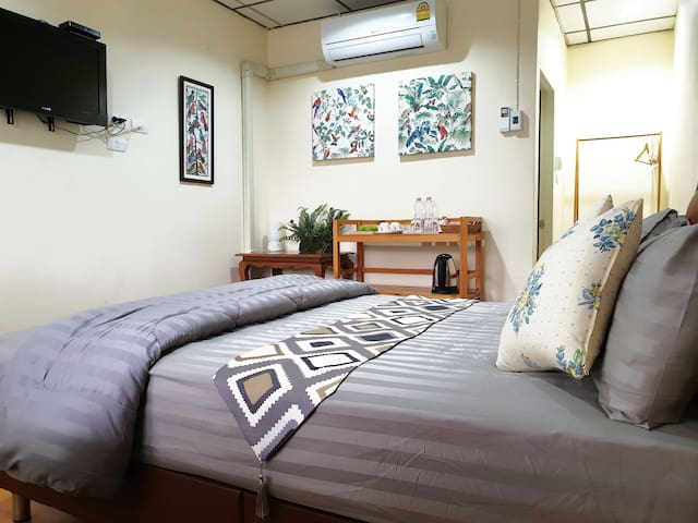 Stylish room, 10 mins to Don Mueang Int'l Airport