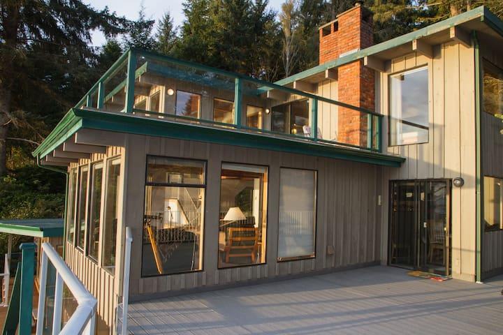3 Bedroom, 4 Bathroom&Pet Friendly! - Port Renfrew - House