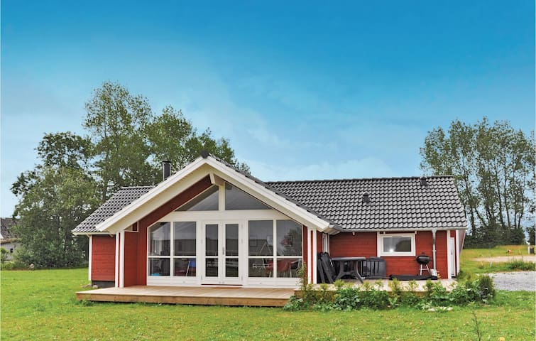 Holiday cottage with 3 bedrooms on 91m² in Nordborg