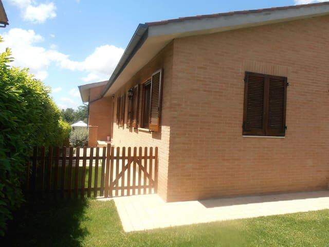 Appartamento in villa con giardino - Abbadia - Apartemen