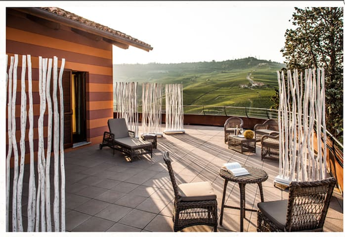 Cozy and new 1 bedroom @ Locanda In Cannubi - Barolo - Bed & Breakfast