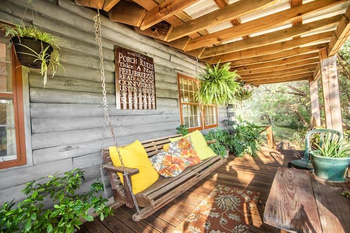 Charming Log Cabin on Sugar Loaf Lake