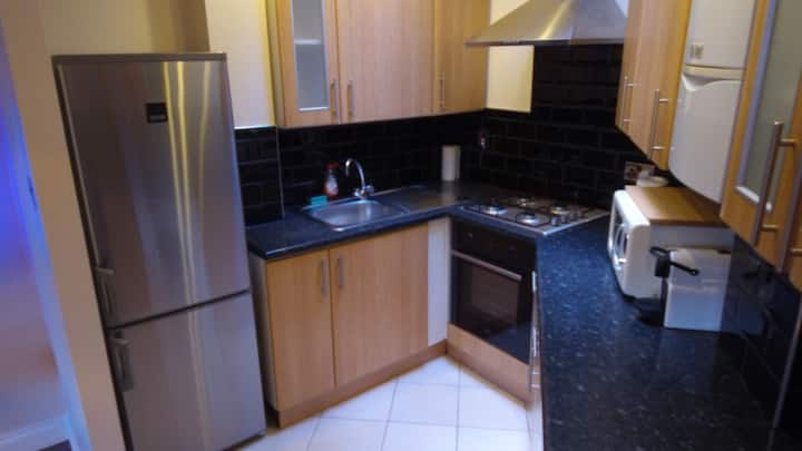 Romford Modern 1 Bed With WIFi
