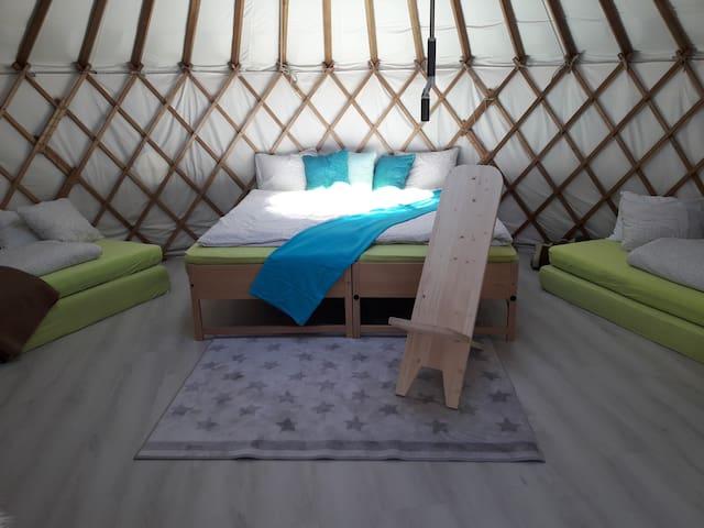 Doppelbett, double bed