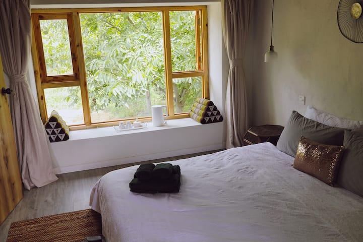 *林苍* 苍山脚下核桃林观景房|二楼北房间| 适合舒适型度假 周租价格超级优惠