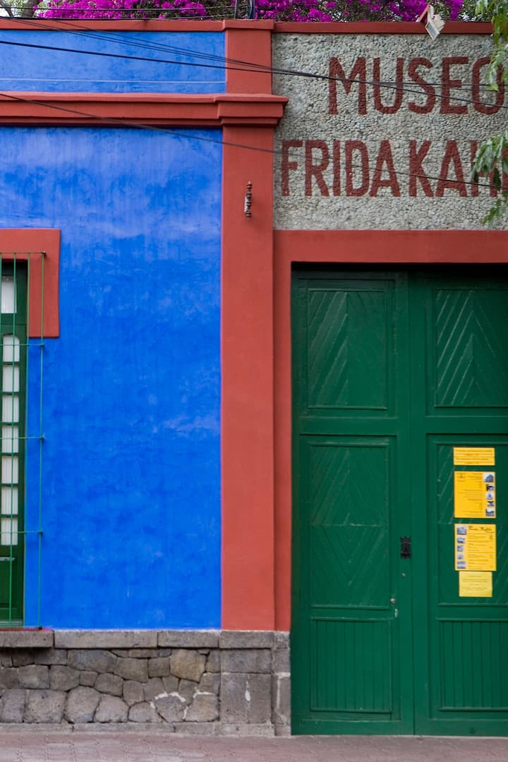The blue house of Frida