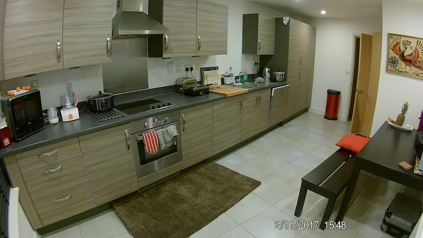 Comfortable Modern Home - Aylesbury, GB - Huis