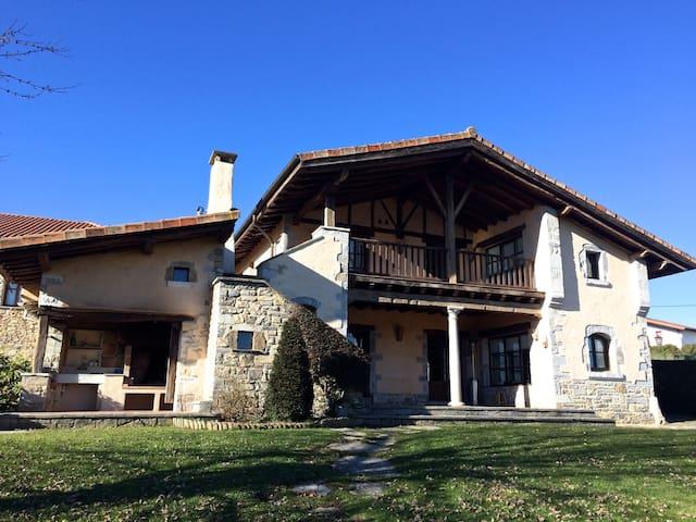 Casa en zona rural entre Bilbao y Vitoria - Izarra - Casa