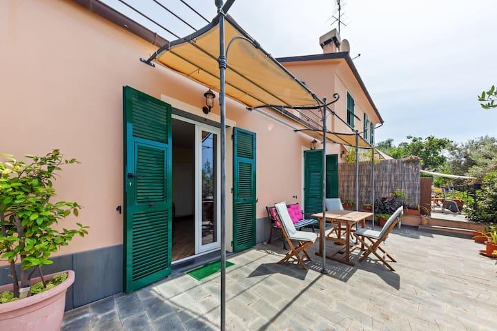Wunderschöne Villa mit Garten in Genua