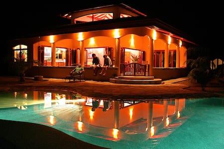 Villa Pavones - Pavones - House