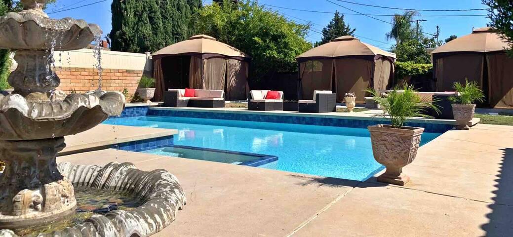 Paradise Pool Home Retreat