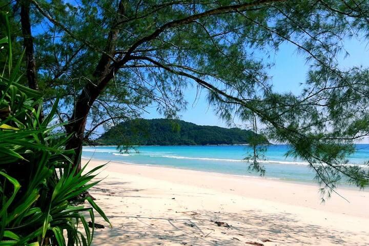Sea View Beach Bungalows