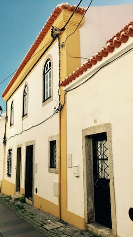 Charming little house, near the beach. - Sines - Casa
