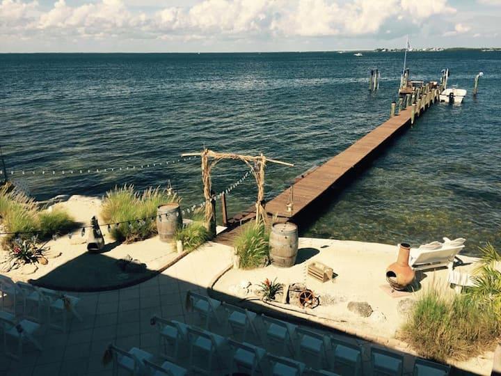 Bayfront luxury home in Key Largo