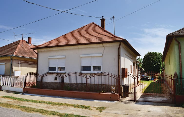 Holiday cottage with 3 bedrooms on 90m² in Balatonújlak