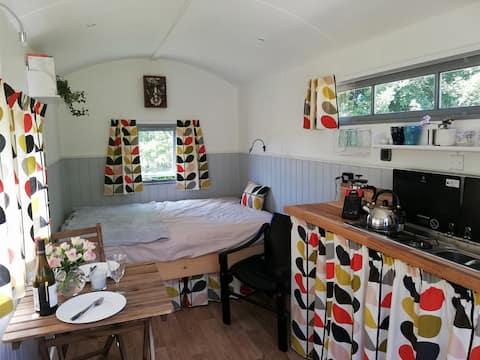 The Hut at Downlands, rural retreat, Wiltshire