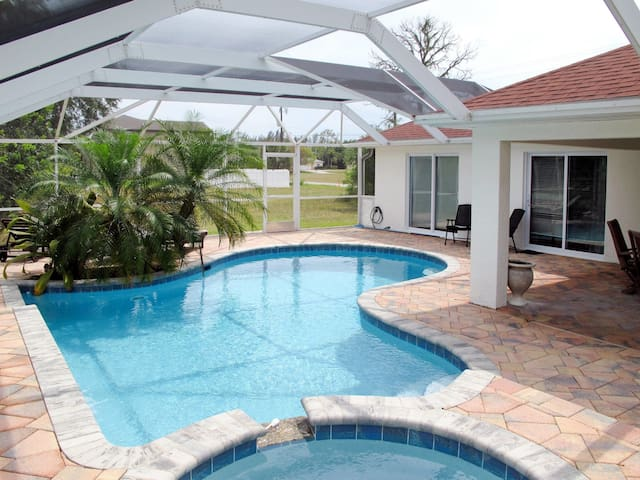 Holiday home in Cape Coral for 8 persons