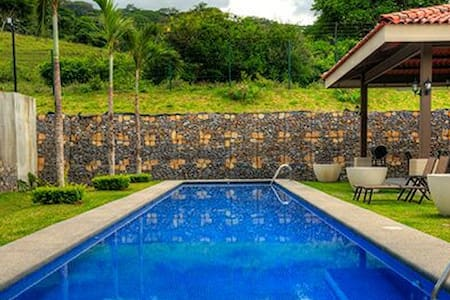 Luxury Corporate Penthouse with Pool, Rancho & BBQ - Río Oro - Kondominium