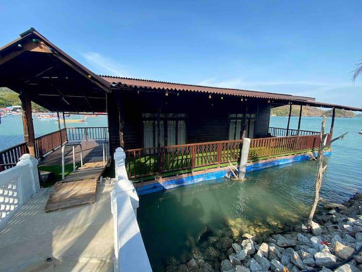 SEAVIEW FLOATING HOUSE FIRST IN LANGKAWI