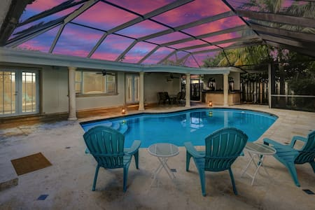 FABULOUS FAMILY STAY WITH PRIVATE POOL :D