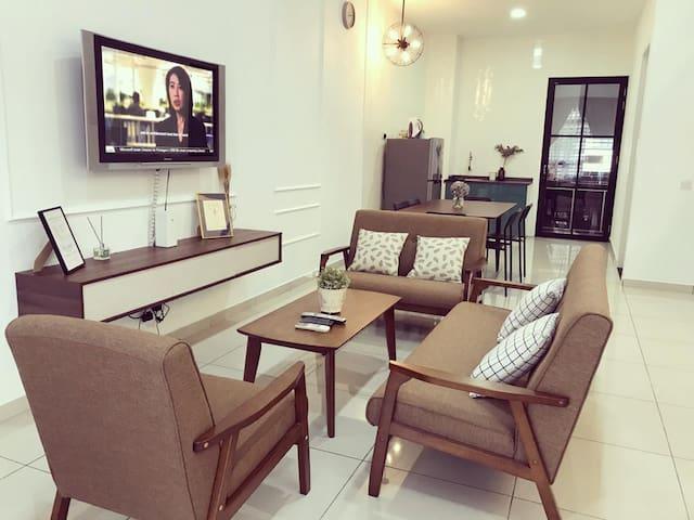 66 Private Home at 26 Avenue (Bukit Indah 2)
