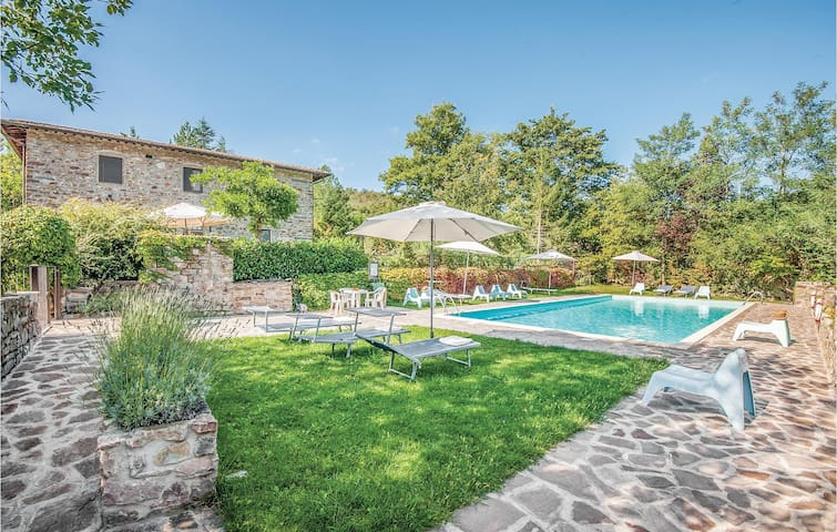 Holiday apartment with 2 bedrooms on 61m² in Greve In Chianti FI