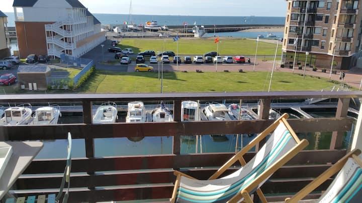 DUPLEX Marina DEAUVILLE Magnifique vue mer.