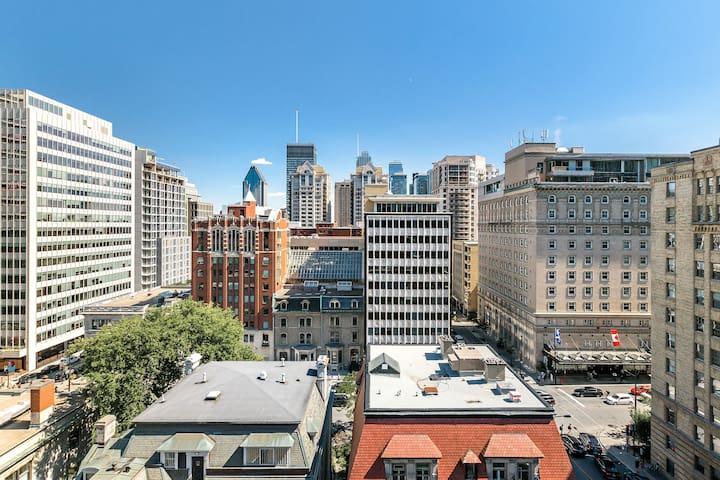 Spectacular View of Downtown Montréal